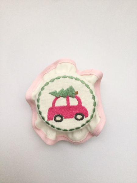 "Süsse Haube ""Auto mit Tanne"" (pink)"
