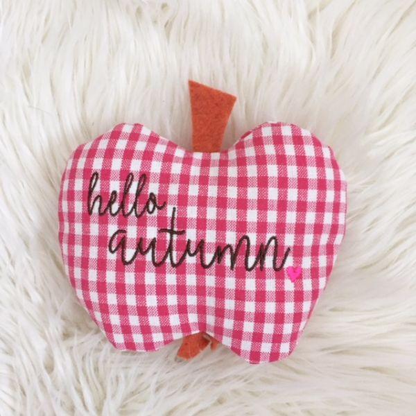 """Deko """"Apfel mit Herz"""" aus Baumwollstoff pink Karo hello autumn"""