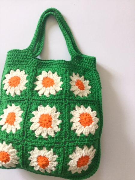 Häkel-Tasche mit Blumen